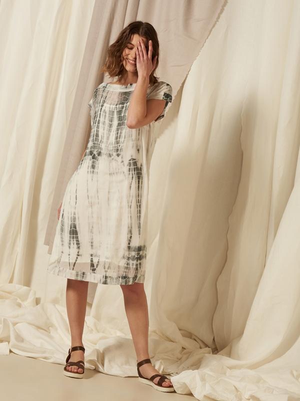 Kleid Seide ohne Arm mit Unterkleid