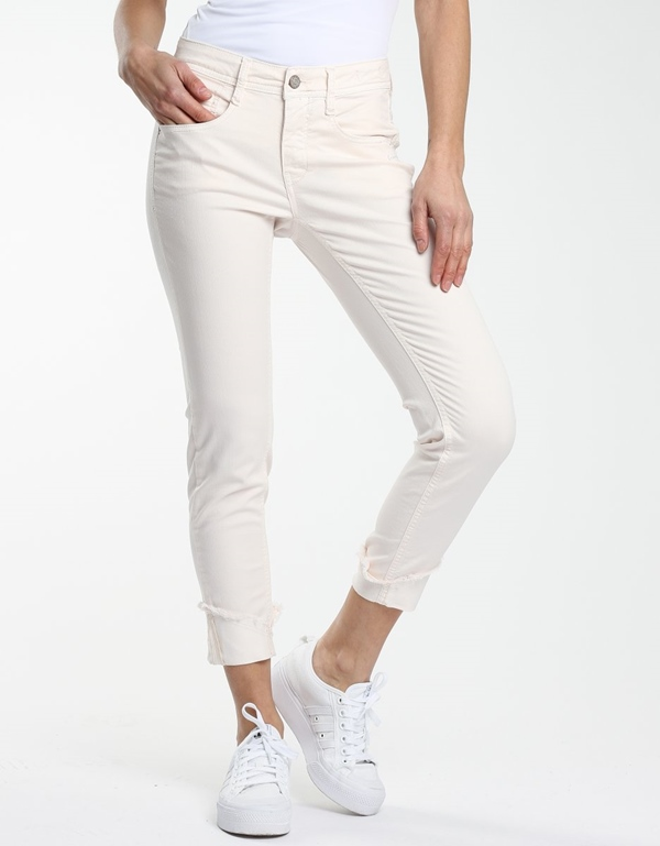 Amelie cropped libby